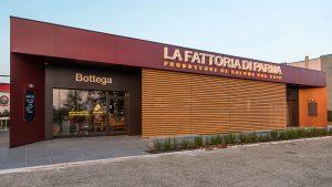 Prosciuttificio di Parma La Fattoria facciata panoramico angolo