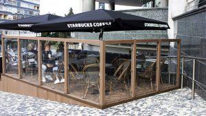 Starbucks esterno angolo