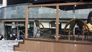 Starbucks esterno particolare 2
