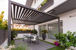Pavimentazione e pergola in tecnodeck Tropical Brown